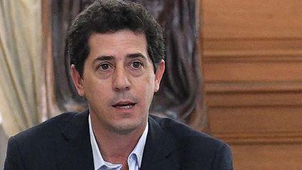 Algunas versiones indican que Alberto aceptó la renuncia de De Pedro, pero Vilma Ibarra salió a desmentirlo.