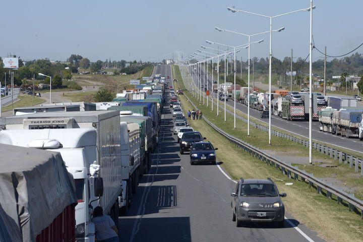 Así se veía esta mañana la avenida Circunvalación. (Foto: S. Salinas)