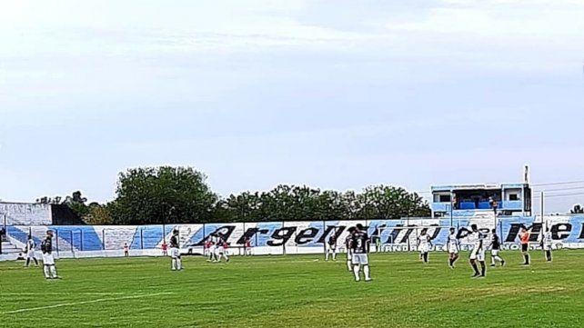Argentino de Merlo llegó a las 7 unidades y comparte la cima de las posiciones con Midland.