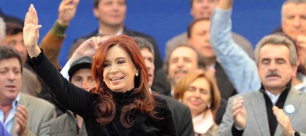 Cristina Fernández encabeza el acto en Vélez. (Foto: imagen de TV)