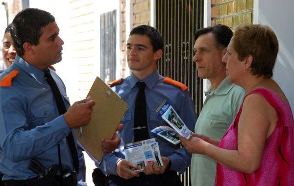 Los policías comunitarios que ya trabajan con los vecinos en barrios de Santa Fe.