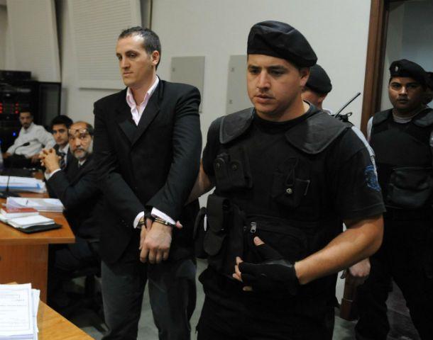 A la carcel. Durante el juicio Martín Santoro se mantuvo inmutable y jamás mostró arrepentimiento por lo hecho.