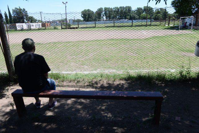 Rafael Alejandro Carcerano tenia 24 años y quedó en medio de la balacera. Estaba sentado mirando un partido de fútbol infantil.