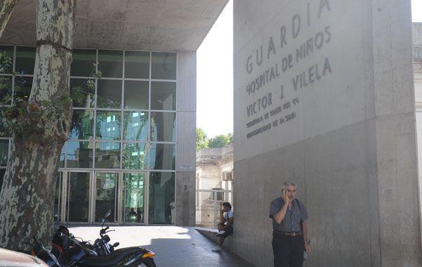 La nena quedó en observación en el Hospital Vilela. (Foto: N.Juncos)