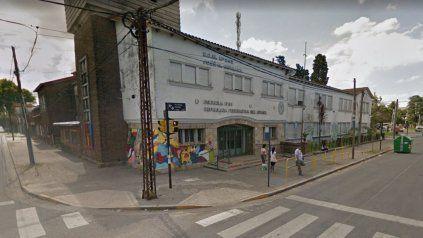 La escuela está ubicada en la zona de Mendoza y Provincias Unidas.