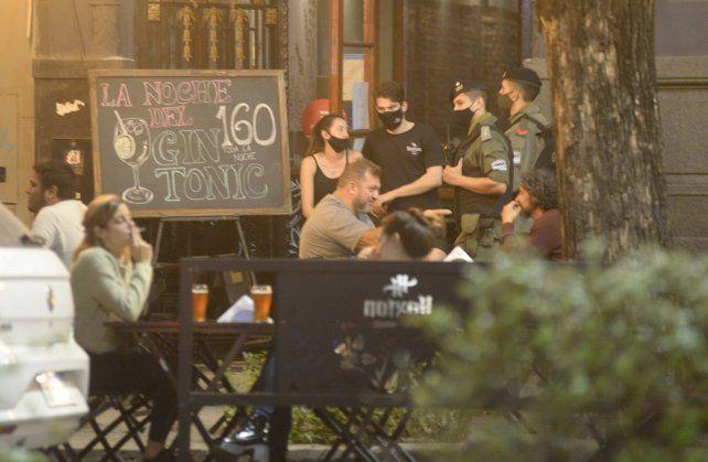 Con aforo y protocolo. La gastronomía podrá abrir hasta las 17 y con un aforo en espacios cerrados del 30 por ciento.