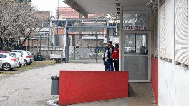 Internado. El taxista fue asistido en el Hospital Roque Sáenz Peña.
