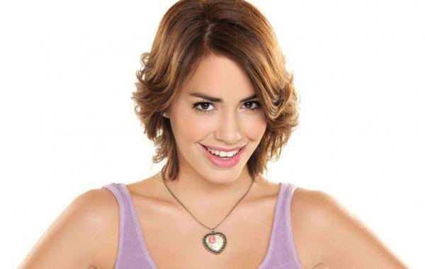 Lali Espósito dijo que al interpretar a Tita saldará una deuda con su abuela.