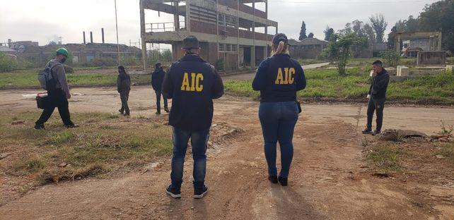 La Agencia de Investigación Criminal (AIC) inspeccionó la Petroquímica Bermúdez.