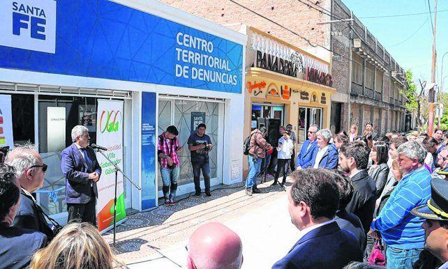 apertura. El fiscal general Baclini hizo anuncios durante la apertura del nuevo centro para recepcionar denuncias.