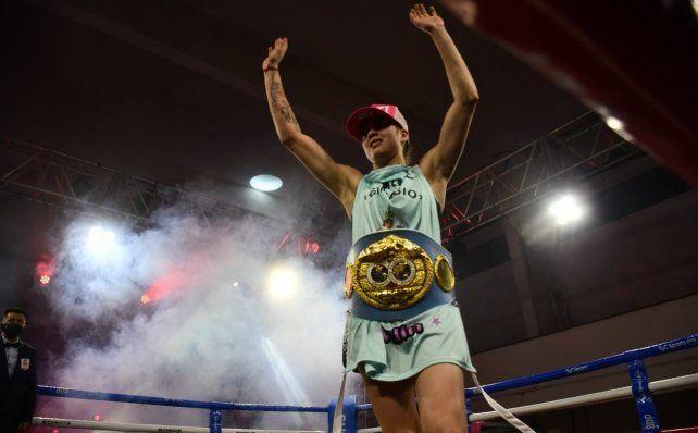 Ganadora. La Princesita Bermúdez venció por nocaut a Demarco en el noveno asalto.