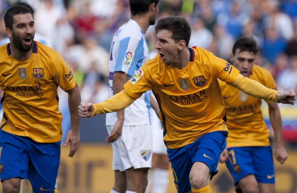 Lionel celebra el gol del triunfo que lelgó tras una espectacular pirueta. Marcó once tantos esta temporada.