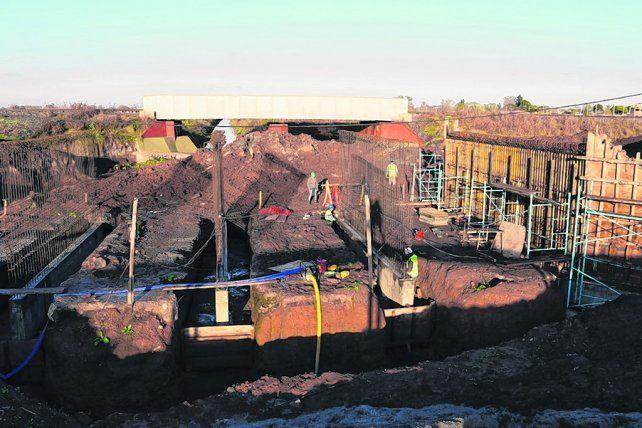 Único punto de acceso a Empalme. Las obras empezaron y apuntan a disminuir inundaciones en la comuna.