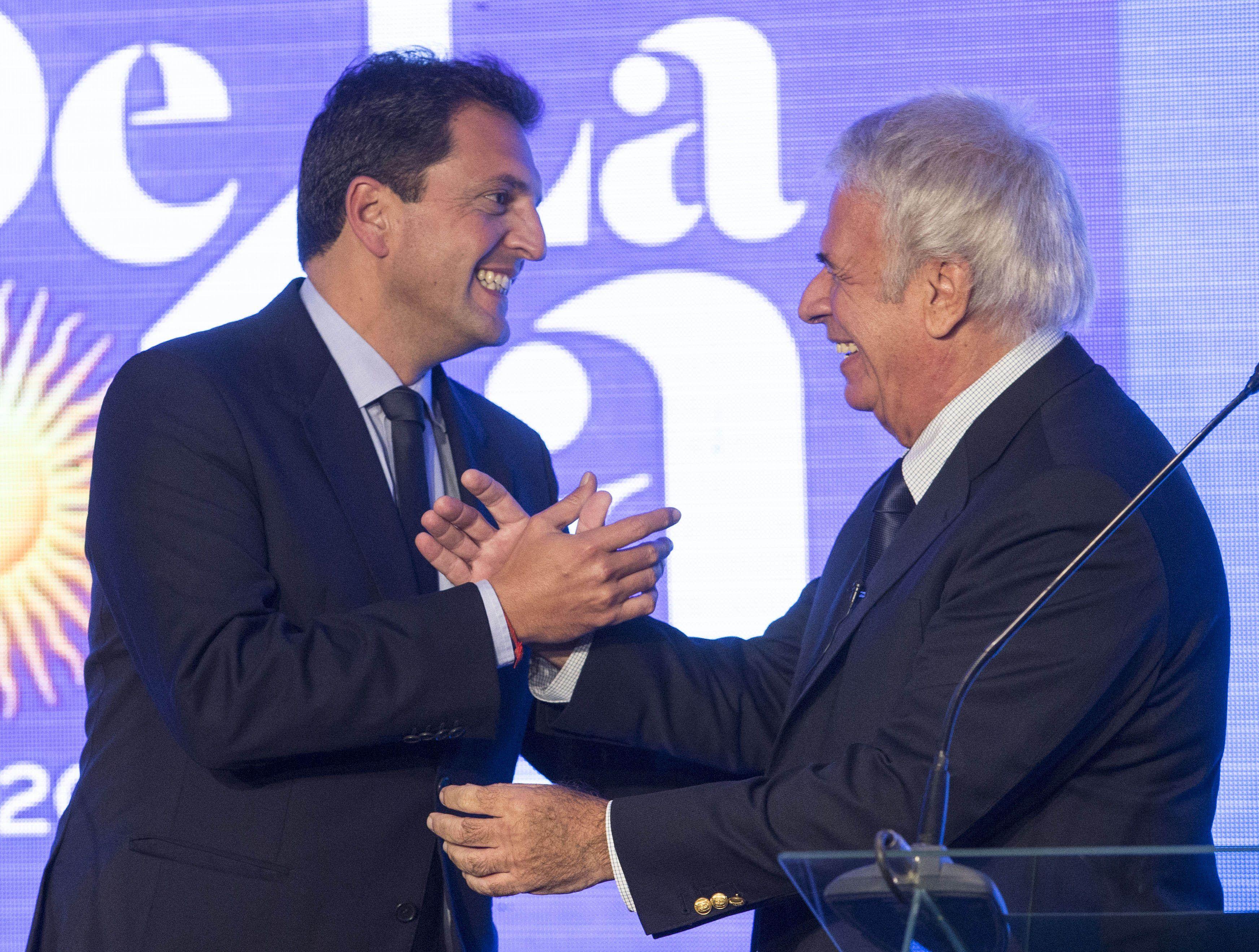 La nueva propuesta política quedó abierta a la incorporación del senador puntano Adolfo Rodríguez Saá.