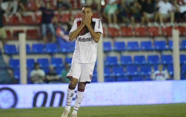 Newells visitó a Tigre el lunes 18 de noviembre de 2013 por la 16ª fecha del torneo Inicial. En ese encuentro el delantero David Trezeguet malogró un penal.