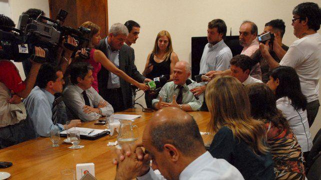 En noviembre y como respuesta al llamado de las urnas, Lifschitz anuncia cambios en su gabinete.