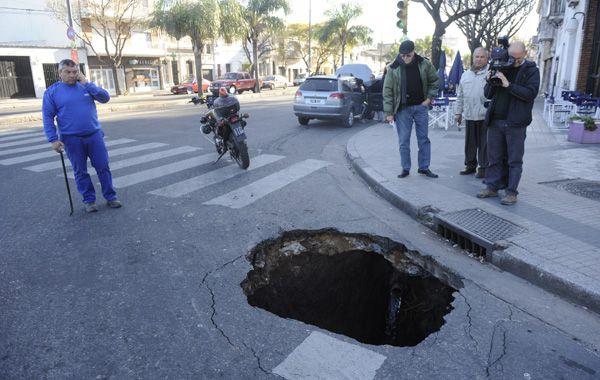 El pozo que se abrió en España y 27 de Febrero. Más atrás