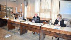 El juez federal con competencia electoral, Reinaldo Rodríguez, acompañado por el jefe del comando electoral Santa Fe, Juan Carlos Borri; la secretaria Electoral Nacional de Santa Fe, María Magdalena Gutiérrez; y la prosecretaria Electoral Nacional de Santa Fe, Mariana Langhi.