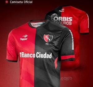 La nueva camiseta oficial que Newells lucirá el miércoles ante Vélez.
