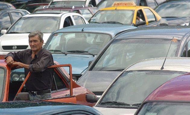 La iniciativa busca ordenar el tránsito en la ciudad y penalizar las infracciones.