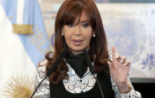 """Maniobra. Cristina denunció a las fábricas por """"encanutar"""" los autos."""