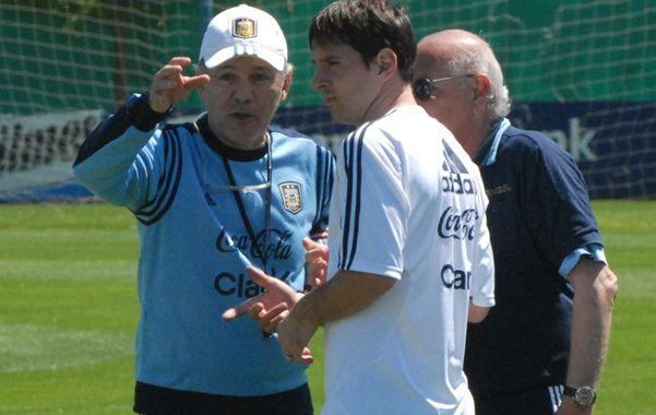 El as. El talento de Messi levanta pasiones y eclipsa cuestiones de funcionamiento colectivo. Sin él de arranque