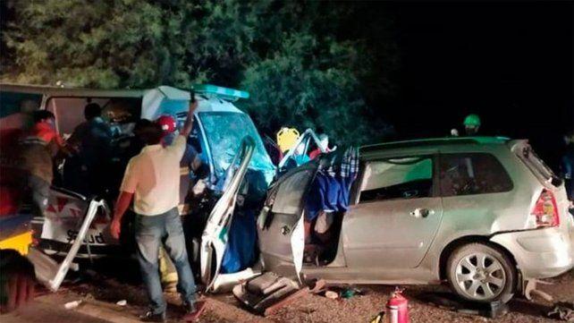 Tragedia en La Rioja: nueve muertos al chocar una ambulancia y un auto en la ruta nacional 38