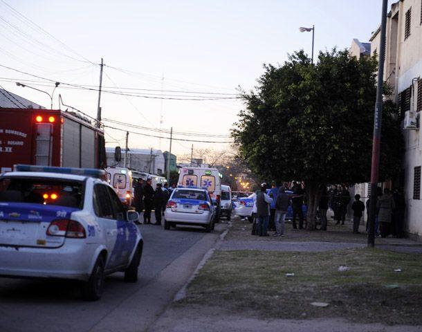 Ayer murieron cuatro personas al inhalar monóxido de carbono en la zona sur de Rosario. (Foto: C. Mutti Lovera)