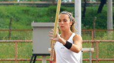 La santafesina Aldana Garibaldi es una de las especialistas en Salto con Garrocha que participará de la prueba provincial de atletismo.