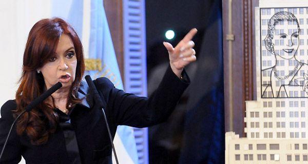 La presidenta de la Nación anunció la expropiación de la empresa petrolera YPF