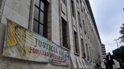 La audiencia por la muerte de Jonatan, asesinado el 4 de enero de 2015, se celebró esta mañana en los Tribunales provinciales.