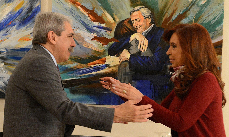 """Aníbal Fernández dijo que Cristina es una """"dirigente superestructural del máximo nivel internacional""""."""