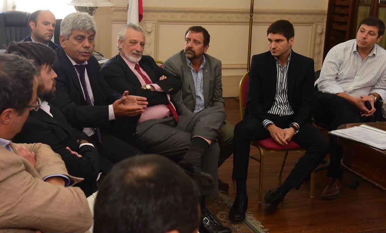 El fiscal regional Jorge Baclini participó de la reunión entre taxistas el ministro de Seguridad