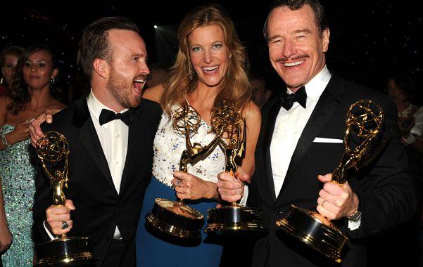 La aclamada serie Breaking Bad se convirtió la noche del lunes en la gran ganadora de los premios Emmy.