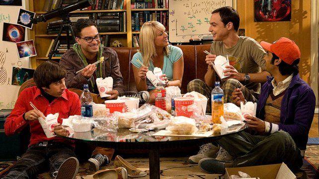 Amigos son los amigos. La serie se centra en un grupo de científicos con singulares formas de socializar.
