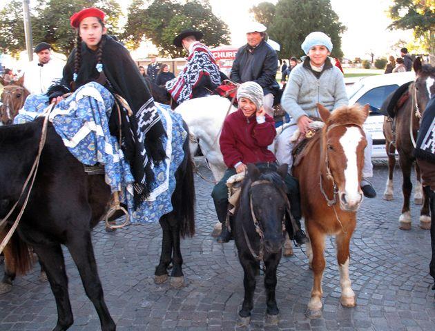 Una fiesta gaucha entusiasmó a los rosarinos que se llegaron al predio de la ex Rural
