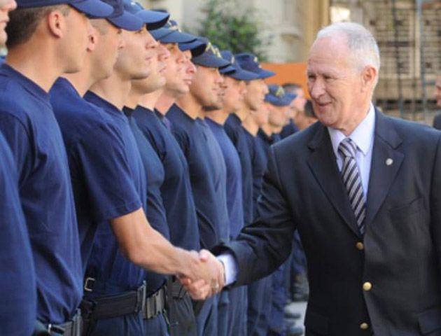 Lamberto admitió que se necesitan al menos dos mil policías más en Rosario