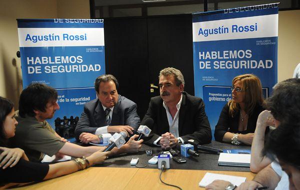 """Rossi presentó el jueves en Rosario sus """"Propuestas para el gobierno de la seguridad en Santa Fe"""". (Foto: F.Guillén)"""