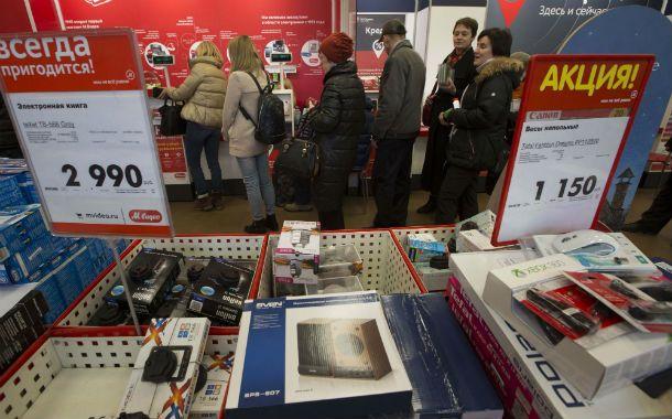 Compulsión. Los consumidores rusos se lanzaron a realizar compras en forma masiva tras la devaluación del rublo.