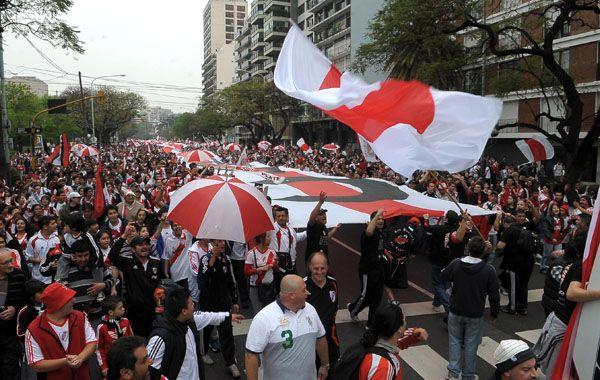 Desfile. Los millonarios se concentraron en Alcorta y Tagle