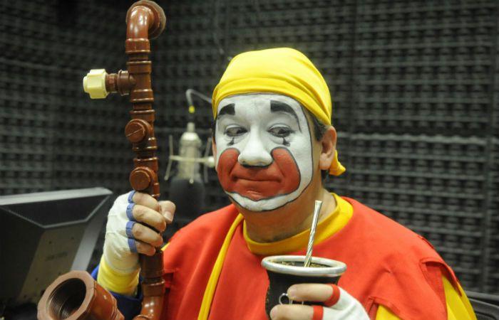 """Esa mirada. Piñón Fijo dijo que no se saca el maquillaje porque trata de """"mantener la magia del personaje""""."""