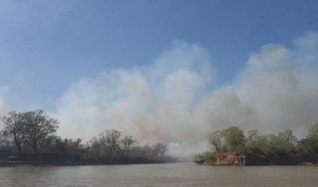Los pastizales del Delta se queman a mansalva