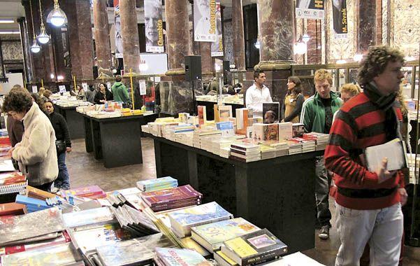 A pleno. La concurrencia a la feria superó las expectativas y Rosario recibió a destacados escritores.