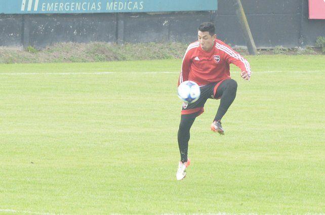 Brian Sarmiento es duda en Newells para el inicio de la Superliga