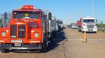 La medida de fuerza que comenzó el fin de semana, continúa con el corte intermitente de tránsito a camiones y todo tipo de transporte pesado en el Túnel Subfluvial.