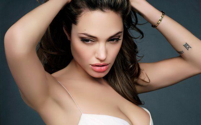 La bellísima Angelina Jolie fue protagonista de una producción fotográfica.