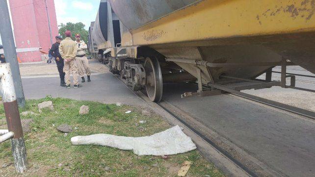 El cruce ferroviario cuenta con los sistemas de seguridad.