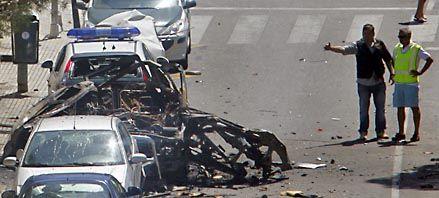 ETA mata a dos guardias civiles en su segundo atentado en 24 horas