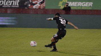 Ignacio Scocco sacó el misil que se clavará en el ángulo superior derecho de Ibáñez, como aquel del 2012 a Ardente. Y sirvió también para redondear un 2 a 0.
