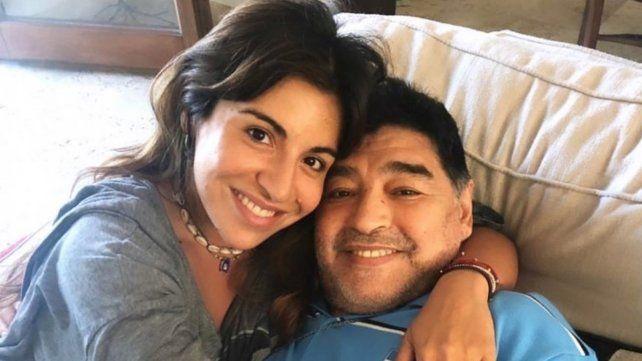 Gianinna Maradona junto a Diego en otros momentos de plena felicidad.